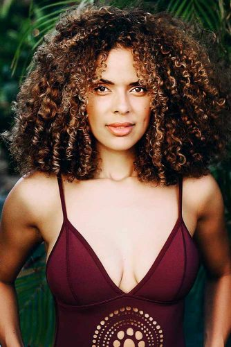 Curly Hairstyles for Medium Hair Picture 1
