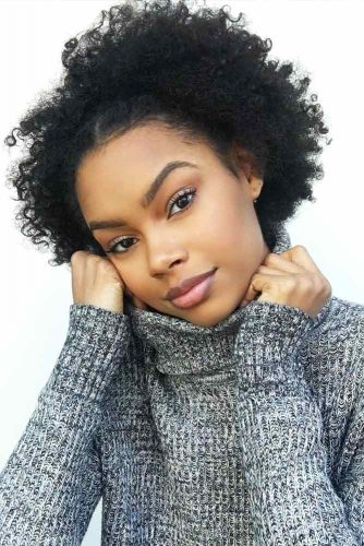 Short Curly Hair Styles Looks Picture 3