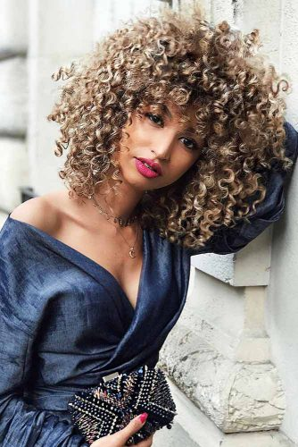 Curly Hairstyles for Medium Hair Picture 4
