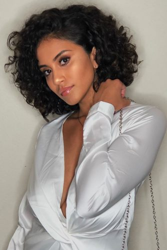 Short Curly Hair Styles Looks Picture 5