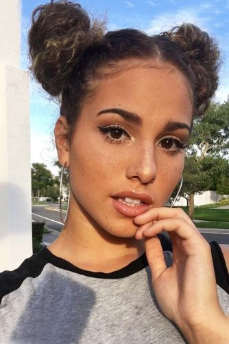 Cute Hairstyles for Curly Hair with Buns Picture 3