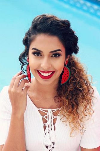 Ponytail Hairstyles for Curly Hair Picture 2