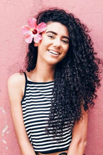 Cute Hairstyles for Curly Hair Picture 5