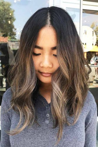 Long Bob Hairstyles with Natural Colors Picture 1