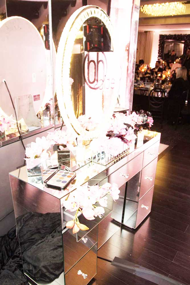 Glam Modern Vanity Table Designs picture 6