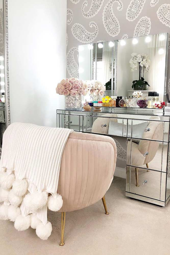 Mirror Makeup Vanity Table With Comfy Chair #mirrorlights #comfychair