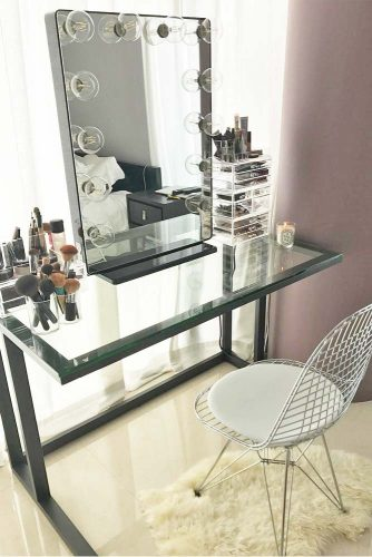Designs of Makeup Vanity Mirror with Lights picture 3