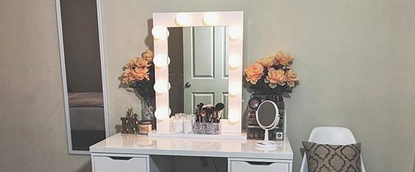 21 Makeup Vanity Table Designs to Decorate Your Home