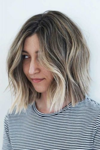Beautiful Natural Shades Wavy Medium Bob Haircuts Picture 5