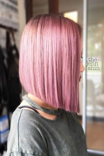 Straight Medium Bob Ideas for Perfect Look Picture 6