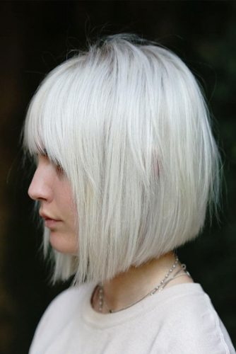 Straight Medium Bob Ideas for Perfect Look Picture 2