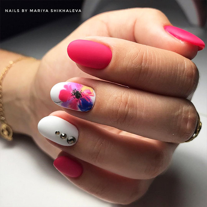 Bright Pink Nails that You Will Want to Try Picture 4