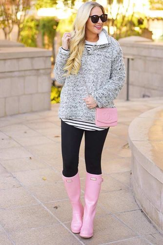 Outfit Ideas with Rain Boots Women Will Really Adore picture 6