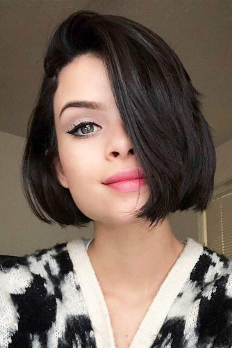 Short Bob Haircut for Square Faces