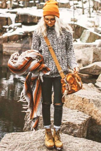 Women Snow Boots Outfit Ideas picture 5