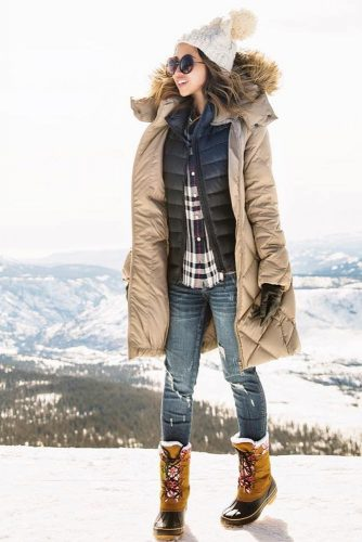 Women Snow Boots Outfit Ideas picture 6