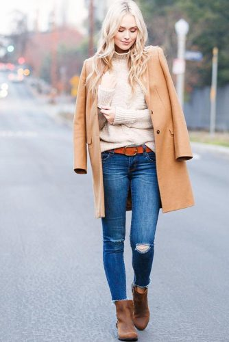 Women Snow Boots Outfit Ideas picture 2
