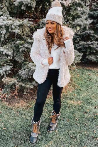 Fluffy Coat With Snow Boots Outfit #fluffycoat