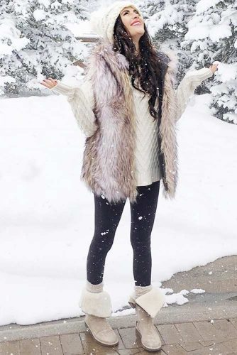 Comfy Womens Snow Boots Outfits picture 2