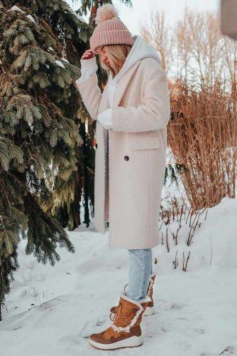 Snow Boots With Jeans And Coat Outfit #hat #coat