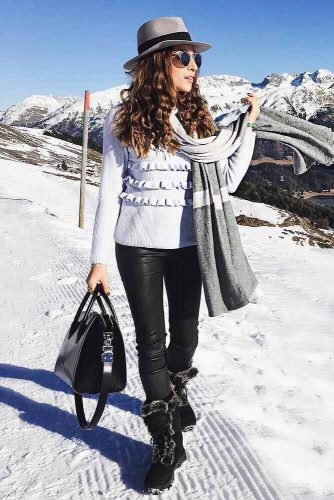 Comfy Womens Snow Boots Outfits picture 5