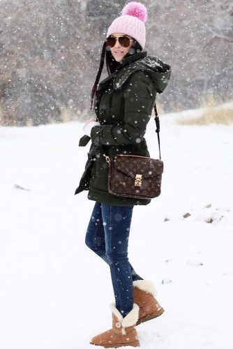 Comfy Womens Snow Boots Outfits picture 3