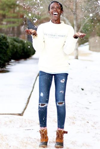 Women Snow Boots Outfit Ideas picture 1