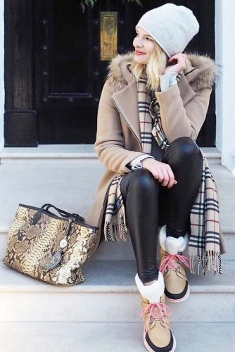 Best Women's Snow Boots Outfits picture 3