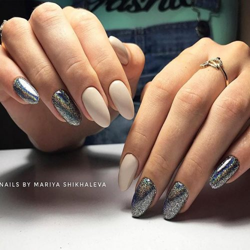 Glitter Nails for Bright Look on Christmas Picture 6