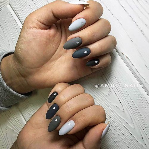 Beautiful Winter Matte Nail Designs Picture 4