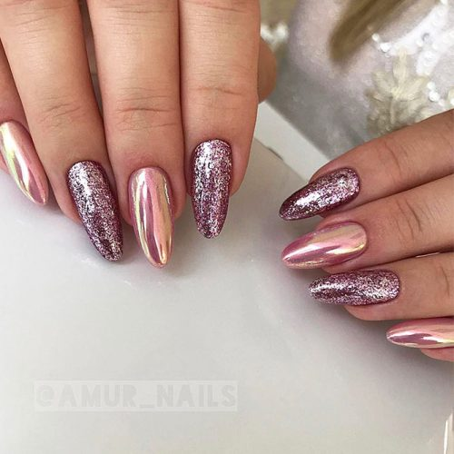 Glitter Nails for Bright Look on Christmas Picture 1
