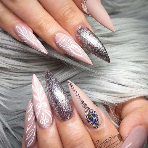 Glitter Nails for Bright Look on Christmas Picture 5