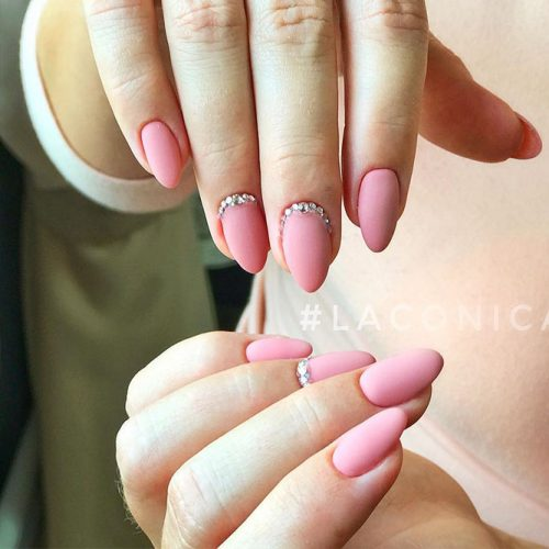 Beautiful Winter Matte Nail Designs Picture 3