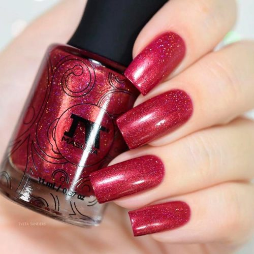 Shimmery REd Nails #rednails #winternails #simplenails