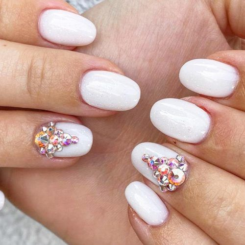 Milky White Nails #shirtnails #whitenails #rhinestonesnails