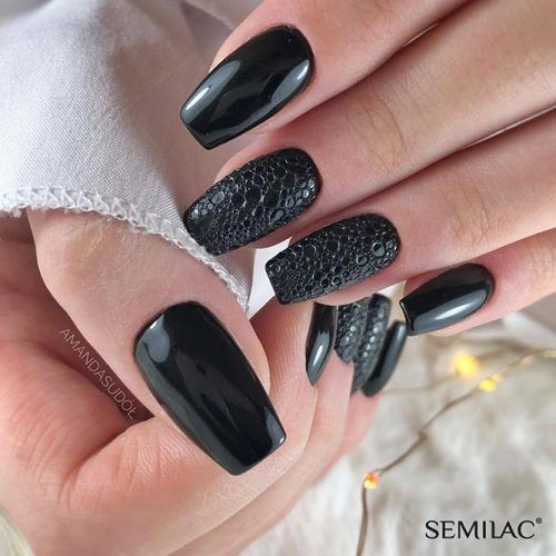 Total Black Nail Design #blacknails #snakeskinnails