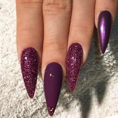 Glitter Nails for Bright Look on Christmas Picture 3