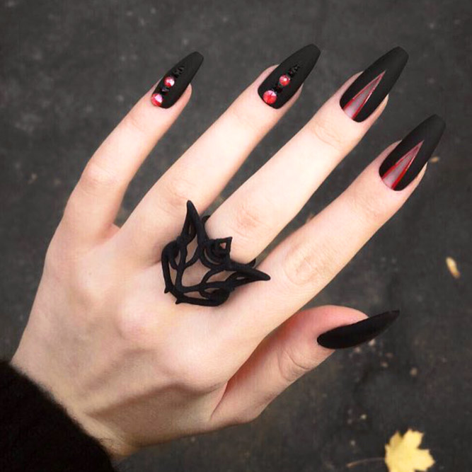 Matte Black Nails for Classy Look Picture 1