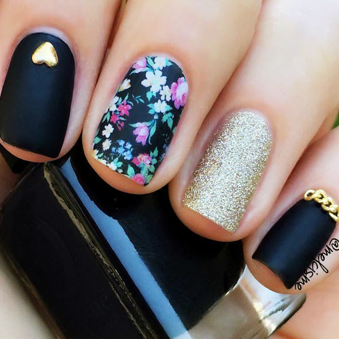 Black Nails with Floral Design Picture 3