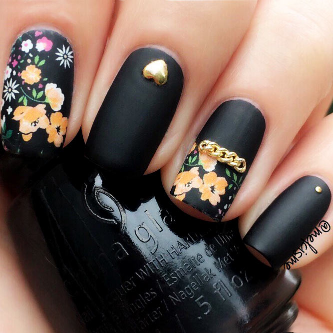 Black Nails with Floral Design Picture 1
