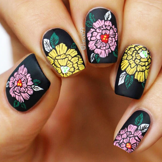 Black Nails with Floral Design Picture 4