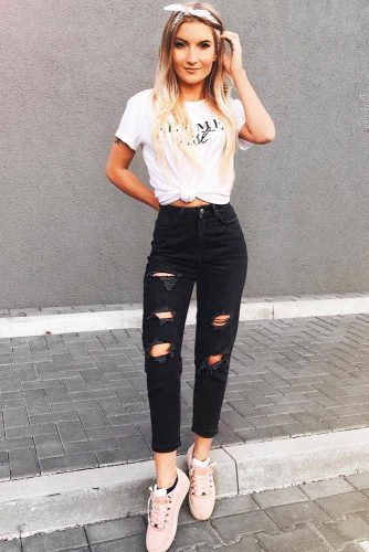 Jeans in Darker Shades are Always Winning picture 2