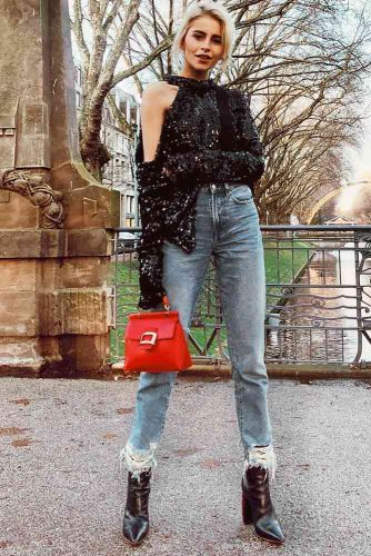Pair the Jeans with Feminine Shoes picture 3