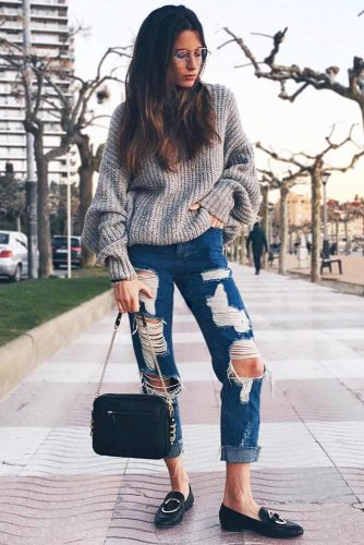 Pair the Jeans with Feminine Shoes picture 1