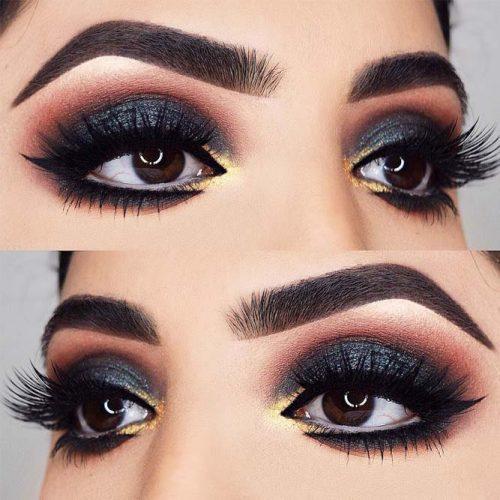 Egyptian Eyeliner Style