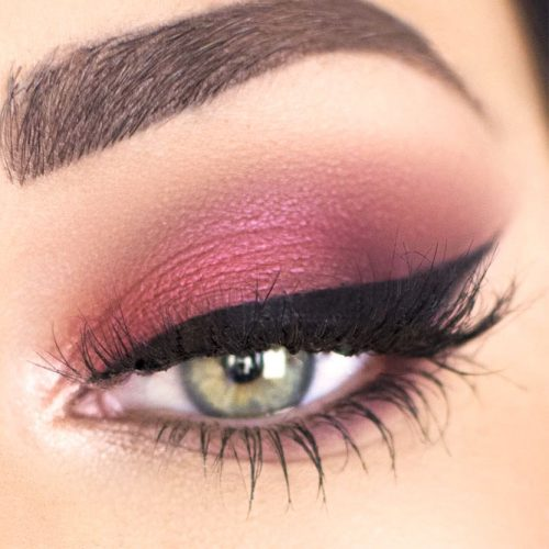 Feline Eyeliner Style