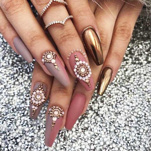 Long Nails of the Coffin Shape Picture 4