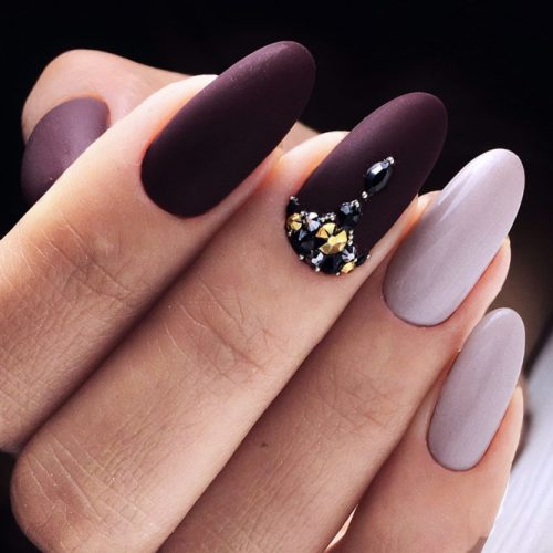 Stunning Oval Shape Long Nails picture 1