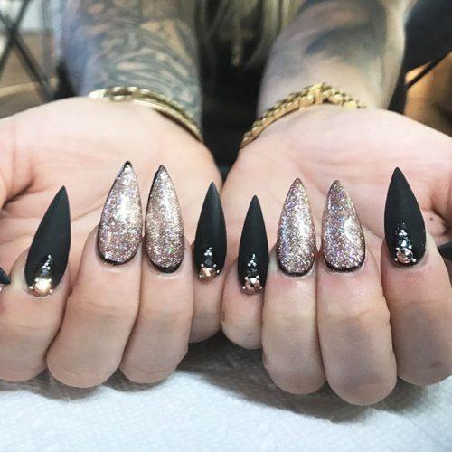 Stiletto Shape Long Nails Picture 5