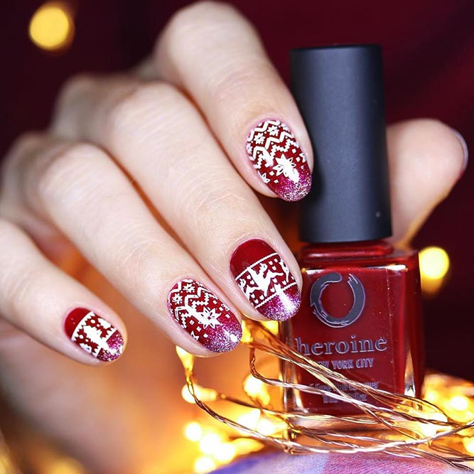 Christmas Red Nails for a Holiday Party Picture 3